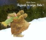 regarde la neige bébé